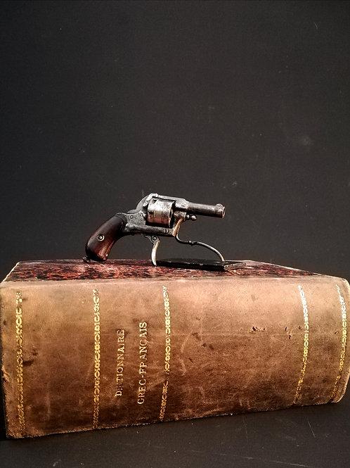 Petit revolver Bulldog, XIXème.