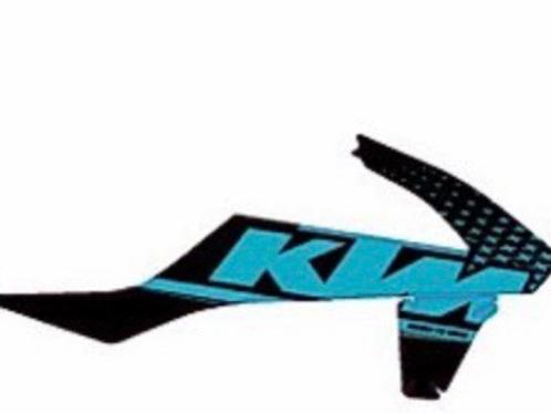 KTM noir et bleu ciel