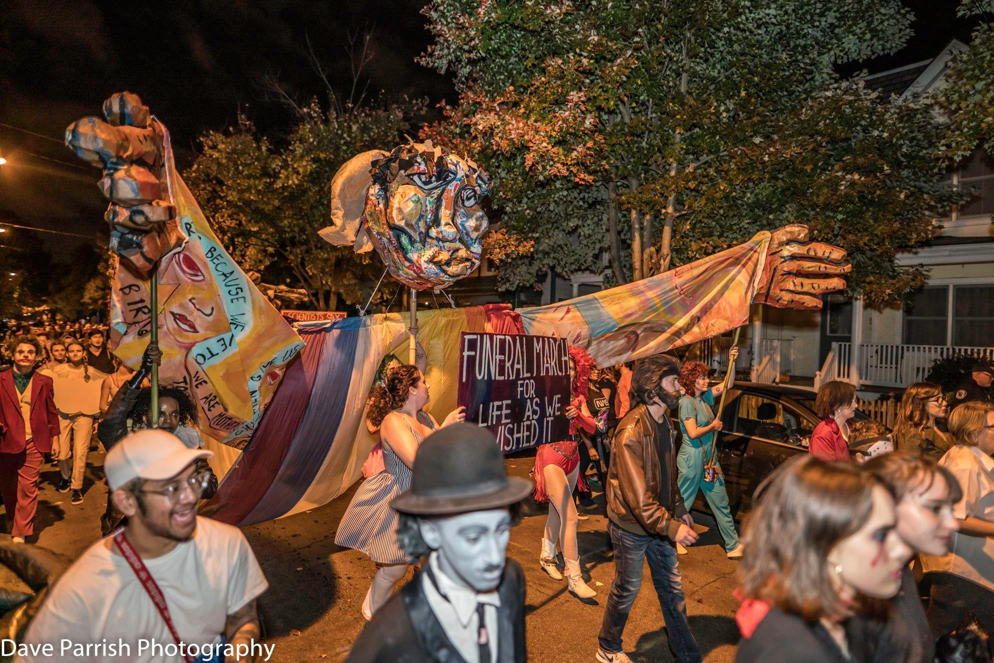 LARGE SCALE PUPPETRY&MASK MAKING