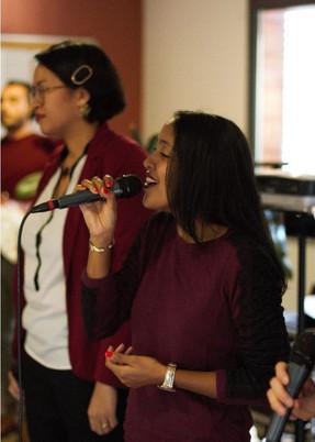 Mae chanteuse Soprane