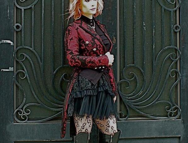 Harlequin Tailcoat Red/Blk