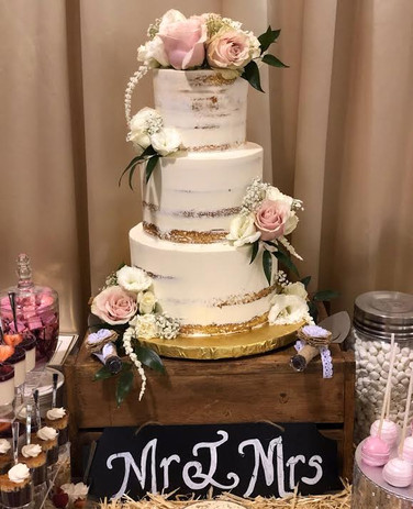 Semi naked cake with f