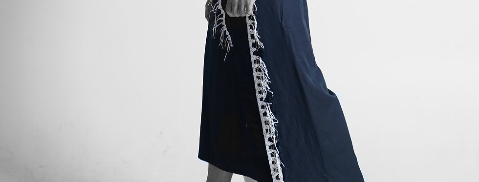 Men Embroidered Long Saroong