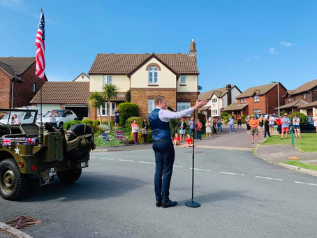 JEFFERSON SURPRISES LOCAL RESIDENTS WITH VE DAY 75 STREET PARTY CONCERTS - AT A SOCIAL DISTANCE