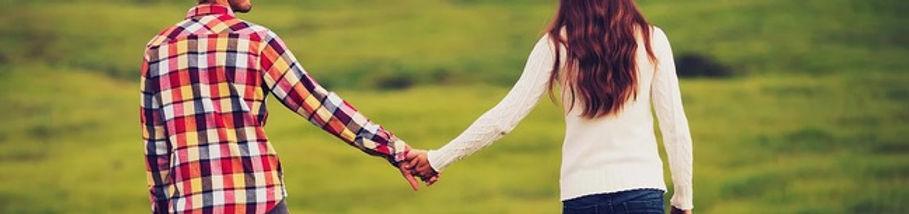 relationship holding hands