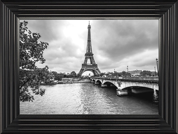 Retro Eiffel Tower in Black and White