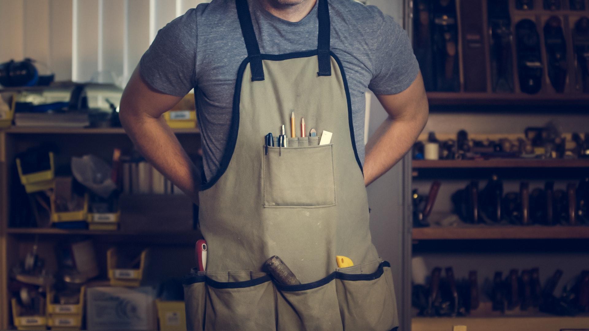 Armários Bancadas / painéis Bancadas móveis Bolsas / maletas Caixas de ferramentas Carrinho para ferramentas Estantes / prateleiras Gabinetes Gavetas Racks