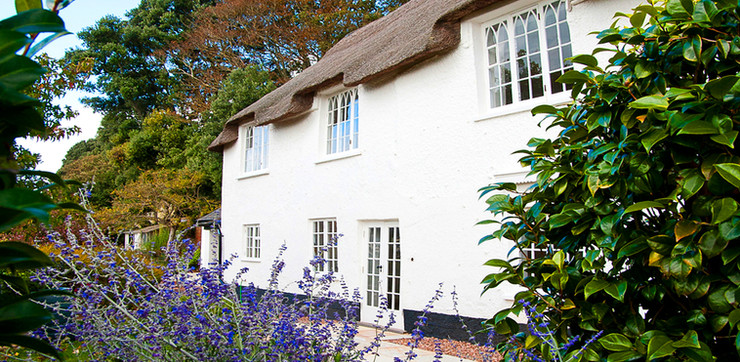 TRANSFORMING A LISTED THATCHED COTTAGE
