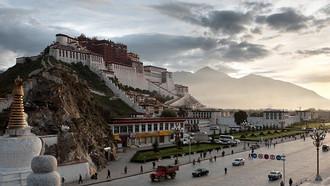 Acclimatizing in Historic Lhasa