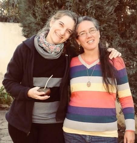 Con la autora de la guía didáctica que acompaña la biblioteca ambulante: la profesora Graciela Csáky de Villa María, Prov. de Córdoba, Argentina.