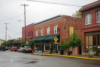 Main_Street_in_Carlton_Oregon.JPG