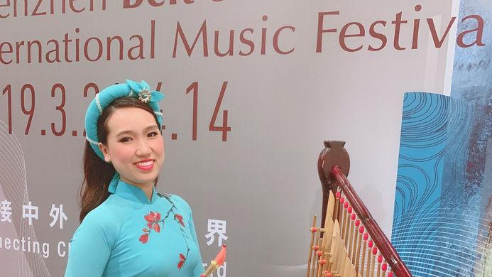 4.3.3 Soloist - Dan T'rung  越南古筝 - 鼎艺团《乐