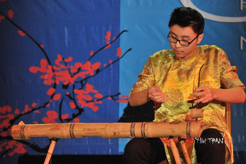 4.3.1 Soloist - Dan Bau 独弦琴 - 鼎艺团《乐无垠》 -