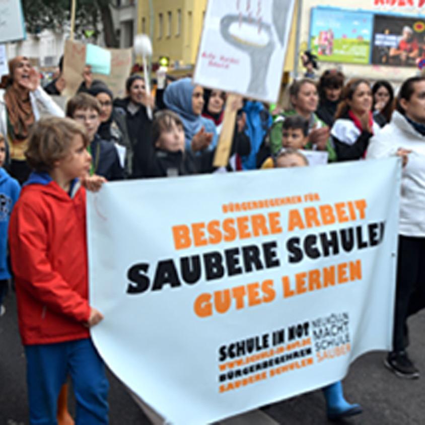 "Demo ""Saubere Schulen - Jetzt erst recht!"""