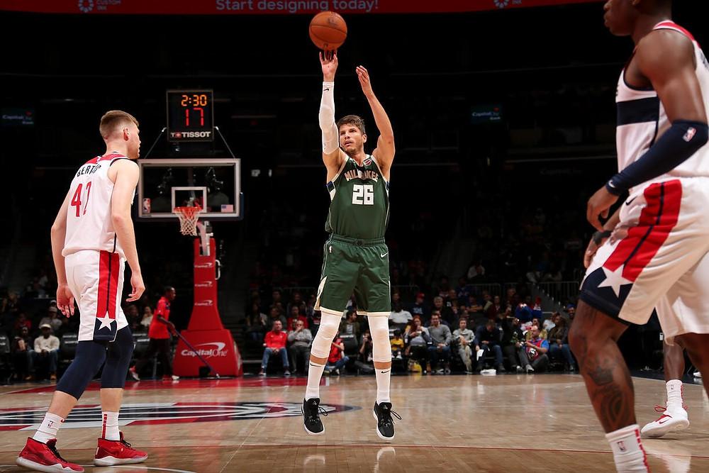 Kyle_korver_NBA_Around_the_game