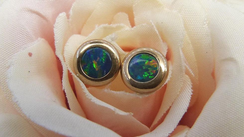 9ct Yellow Gold Opal Doublet Earstuds