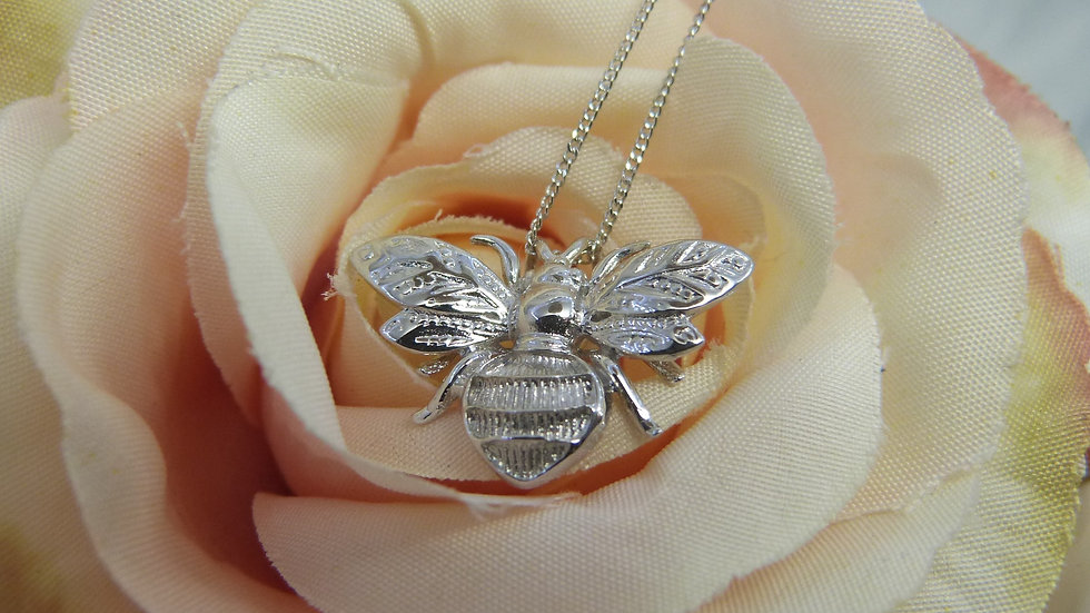 9ct White Gold Bee Necklace
