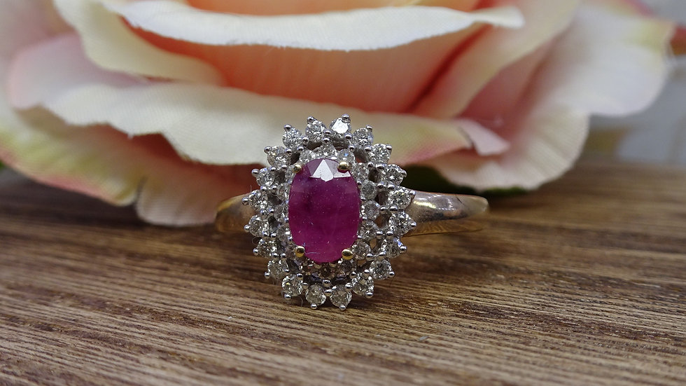 9ct Yellow Gold Ruby & Diamond Cluster