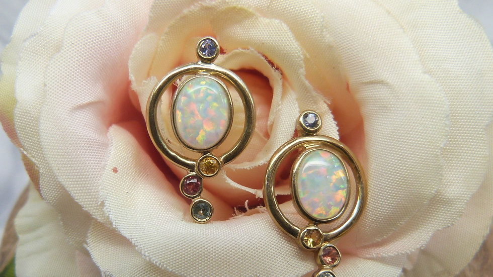 9ct Yellow Gold Created Opal & Topaz Earstuds