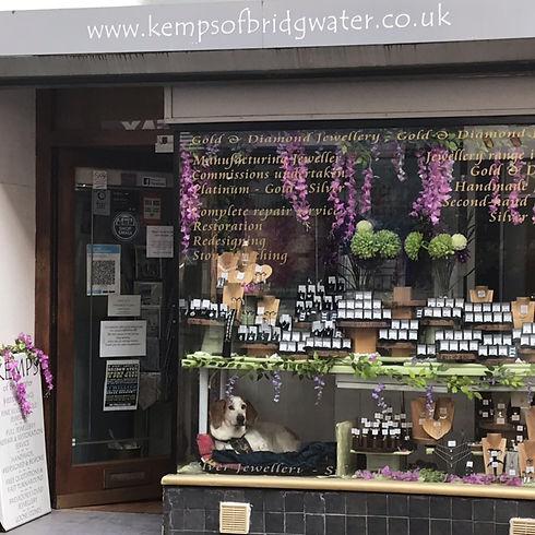 kemps window.jpg