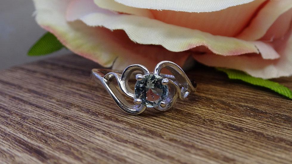 9ct White Gold Aquamarine Dress Ring