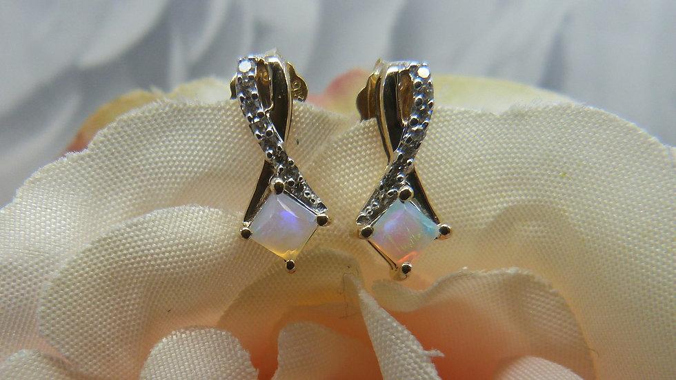 9ct Yellow Gold Precious Opal & Diamond Earstuds
