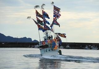 近海マグロ延縄船「第十一良栄丸」は、第33回目(2021年第2回目)の操業を終えて、2月8日に水揚げを行います‼