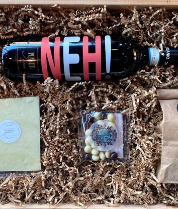 Food and Wine Box