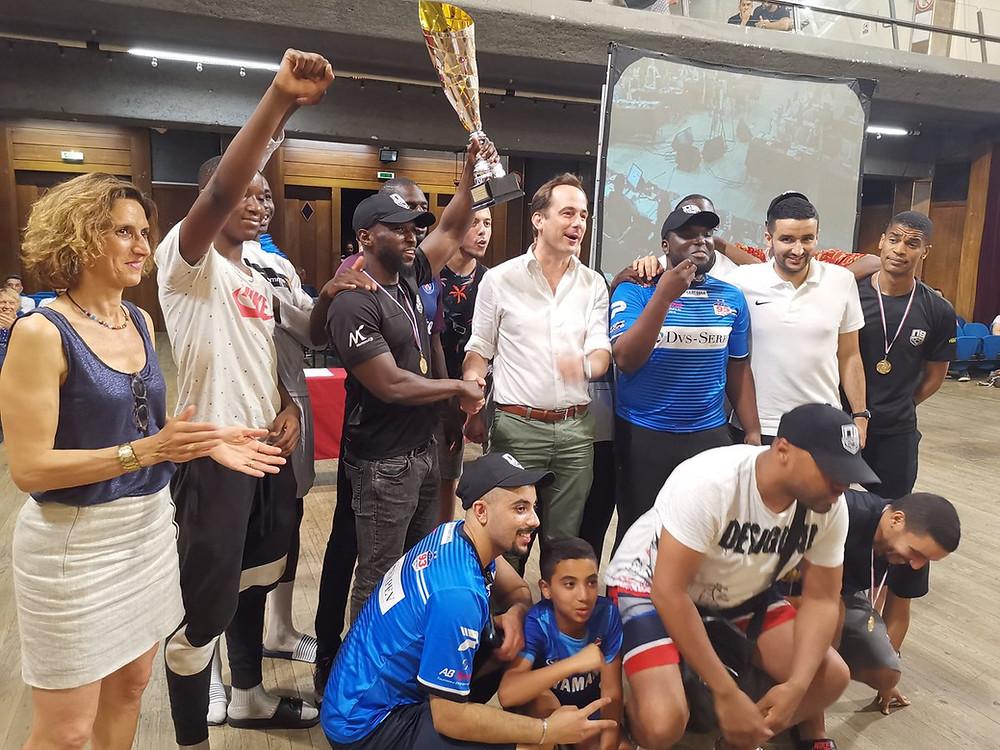 L'équipe Nouveau Souffle, champion départemental et régional, venu fêter la victoire au Conseil Municipal du 26 juin 2019