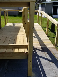 Wheelchair ramp with a turn