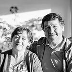 Julio Morales y Gabriela Urrutia - Hosta