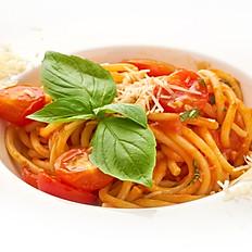 Спагетти Classico с томатами конфи,базиликом и чесноком