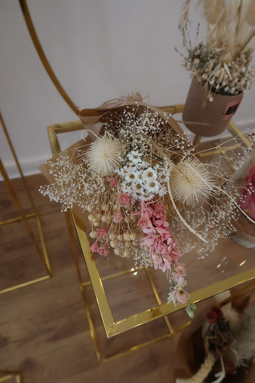 Little dried bouquet pink