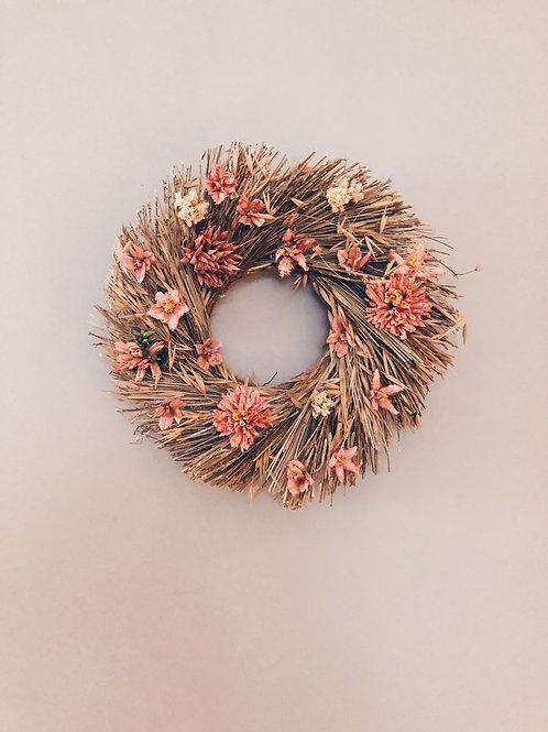 Straw wreath pink
