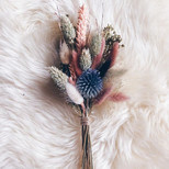 In love with this little dried bouquet ♥