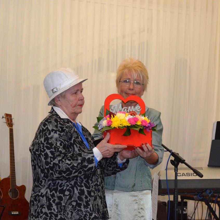 Лариса Каменщикова с мамой