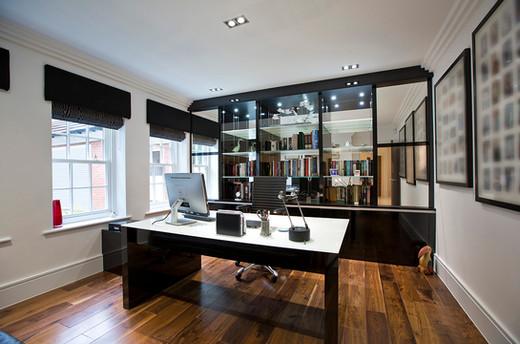 Monolithic executive desk in Diamond Black Gloss