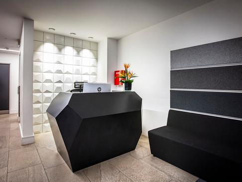 INVITE N Compact Corian® Reception Desk