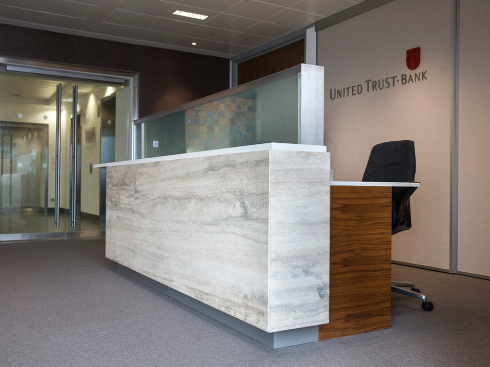 Silver Travertin Marble Feature panel and Everest White Samsung Radienz counter top