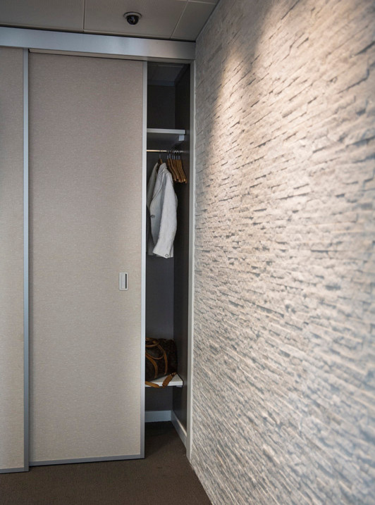 Knoll textured wall covering