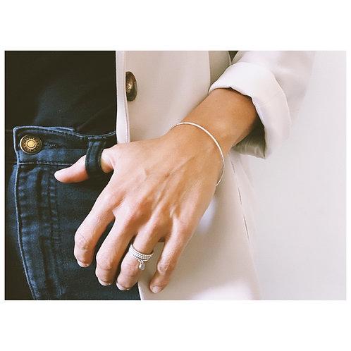 Delicate hammered bracelet