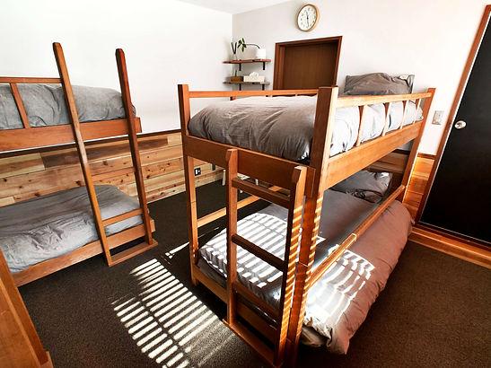 onpoint_madarao_stylish_dormitoty_room_m