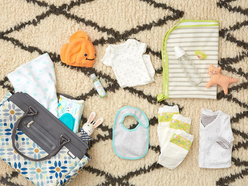 A Well Stocked Diaper Bag Can Save The Day But What Do You Really Need In There It Depends On How Old Your Child Is Long Ll Be Out Where Re