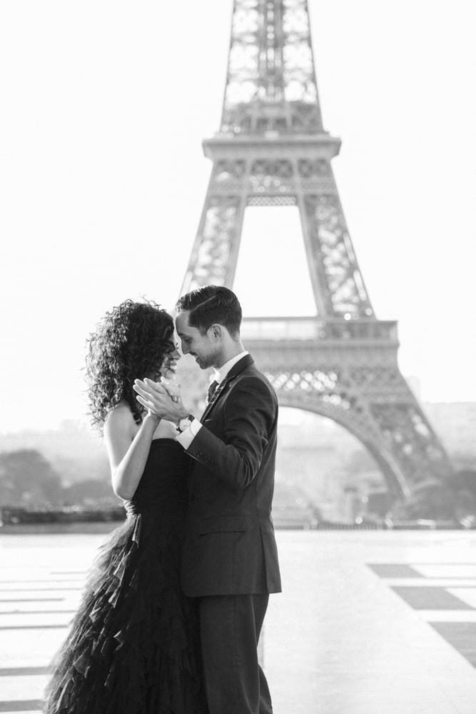 paris-engagement-photos-portrait-photosh