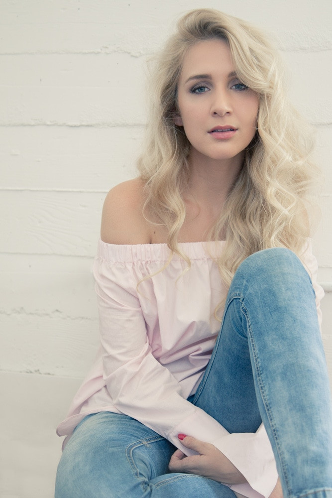 singer headshot photography NYC Cait Caitlin Timmins