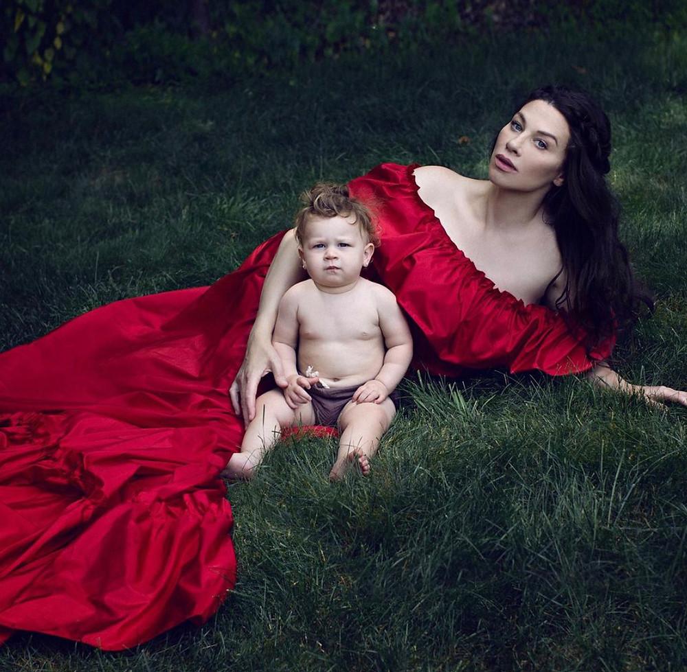 best newborn photographer NYC Lola Melani