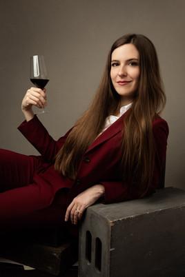 Victoria James - Sommelier - wine girl book
