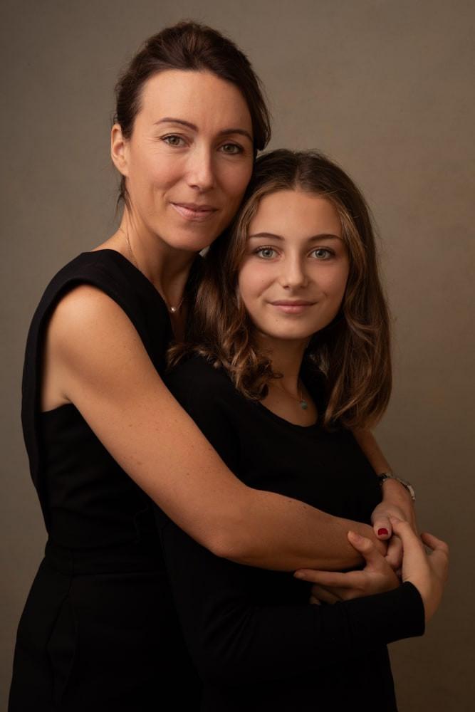 best-gift-idea-mother-daughter-portrait-