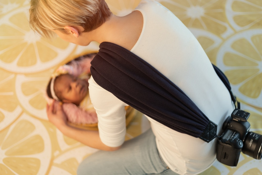 camera-strap-scarf-newborn-photographer-