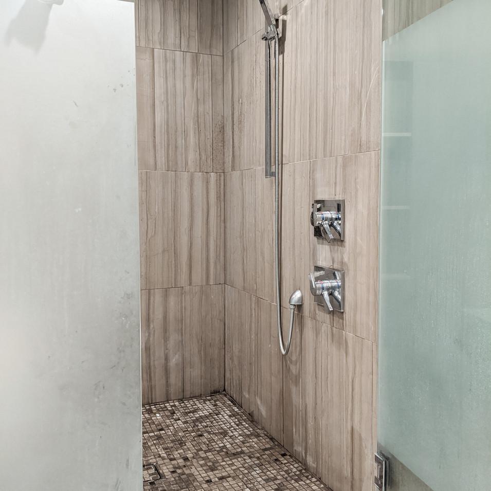 Master Bath - 5.jpg
